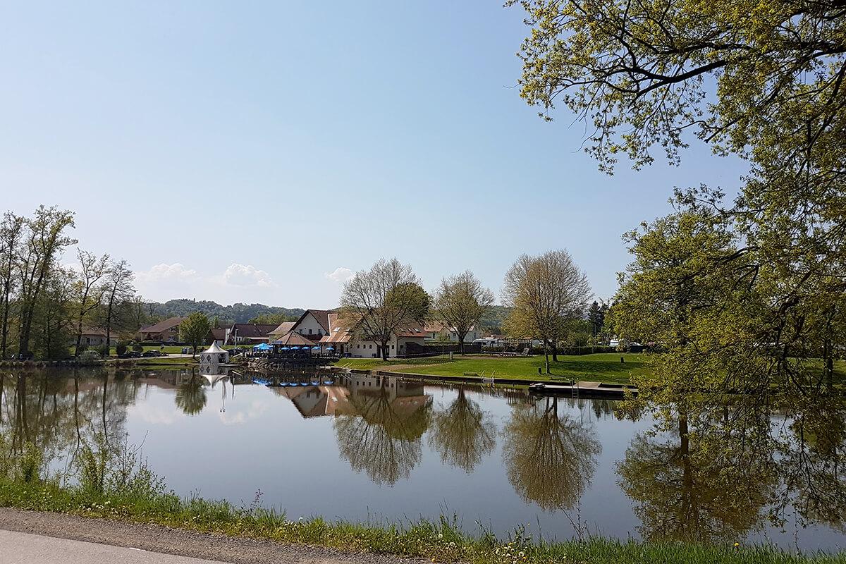 weinland-camping-gleinstaetten-badesee