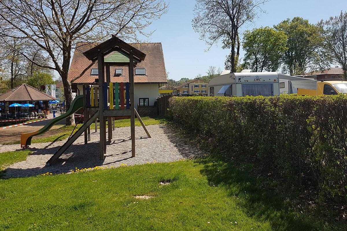 weinland-camping-gleinstaetten-spielplatz