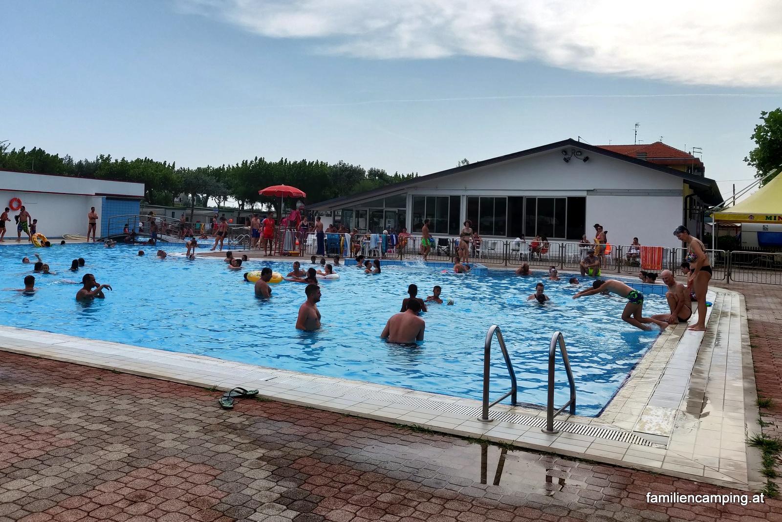camping-miramare-sottomarina-chioggia-pool_1